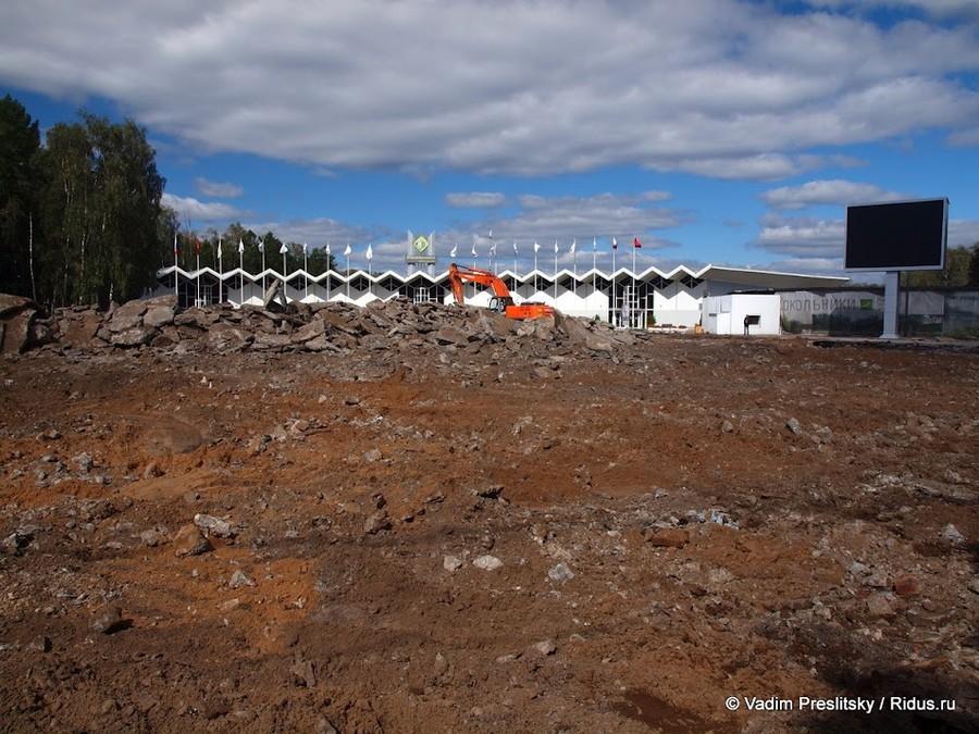 Реконструкция площади перед Конгрессно-выставочным центром. Парк Сокольники. Москва. © Vadim Preslitsky