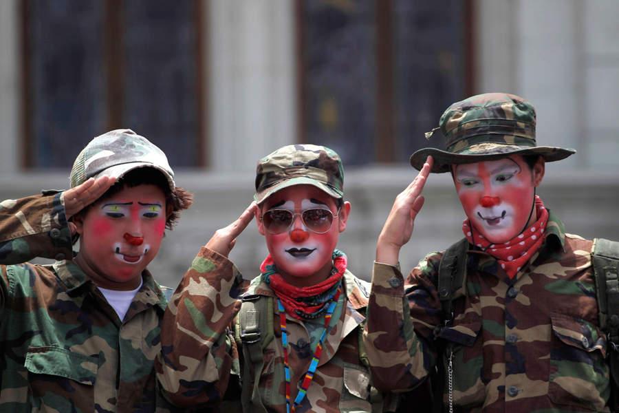 фото фанатов в военной форме рэпа том, что