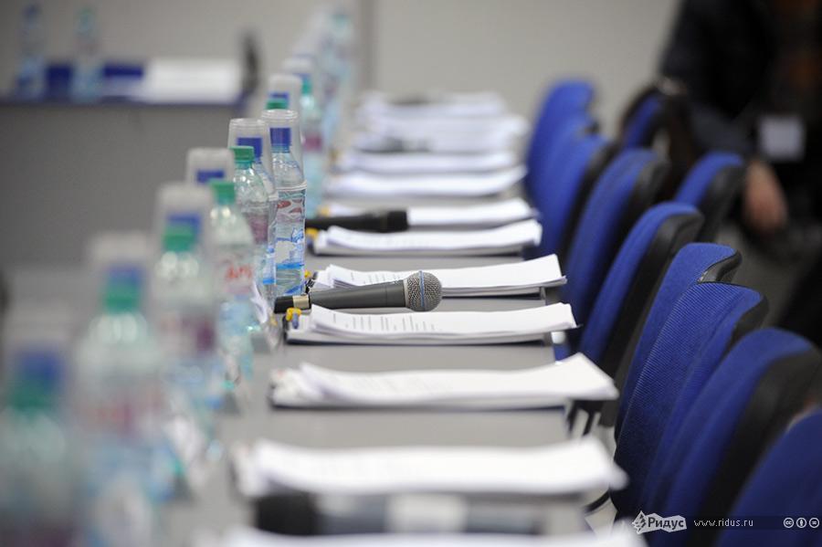 Перед началом заседания Координационного совета оппозиции. © Антон Белицкий/Ridus.ru