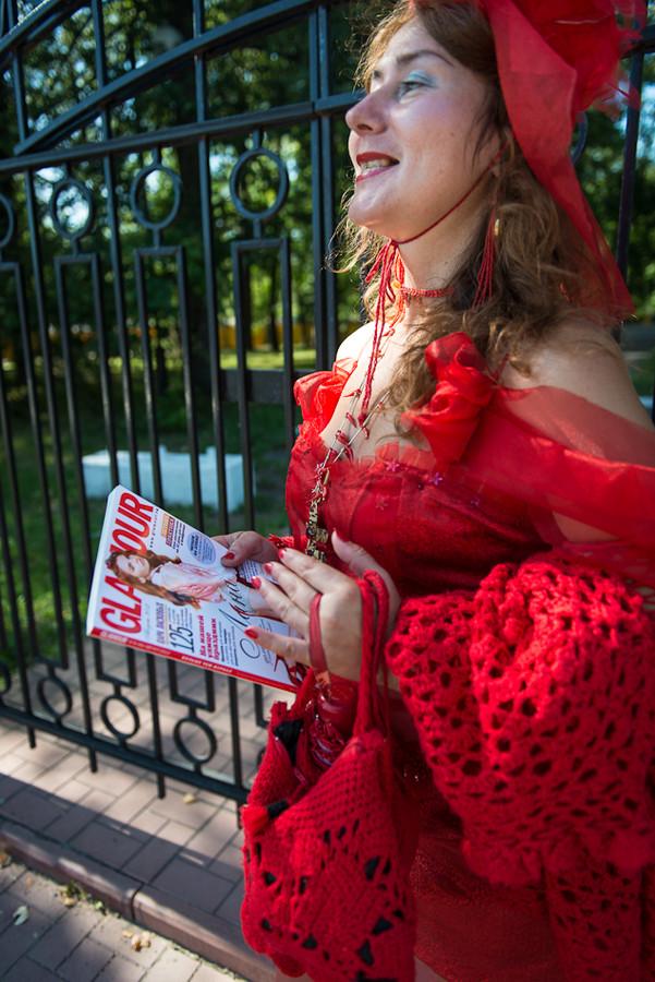 glamurnaya-zhena-iz-magazina-video