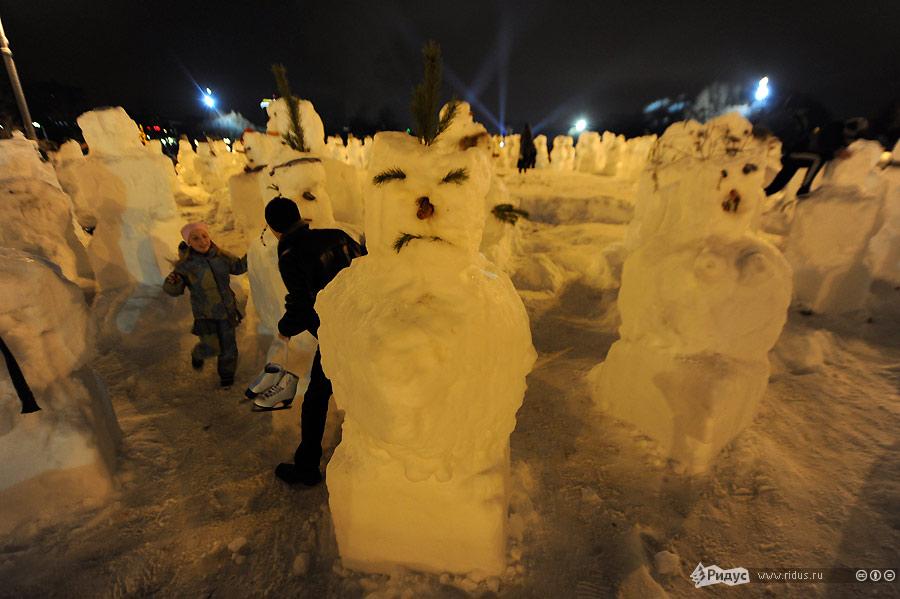 Флэшмоб снеговиков вЦПКИО. © Василий Максимов/Ridus.ru