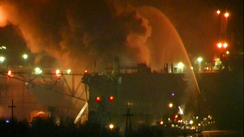 Пожар насудоремонтном заводе вМурманской области. © РИА Новости