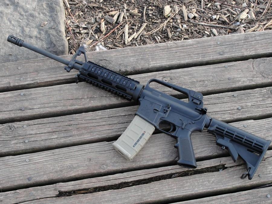 """""""Отрекламированный"""" вНьютауне Bushmaster AR-15"""