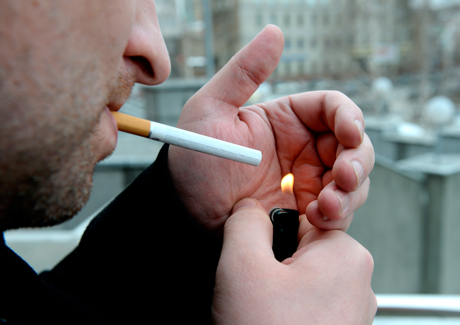 smoking cigarettes Do you question the experts' opinion on smoking read kevin mcconway's article and find out how many decades of research led to that warning on a cigarette packet.